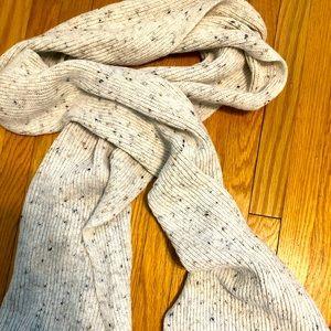 Woman's espirit scarf
